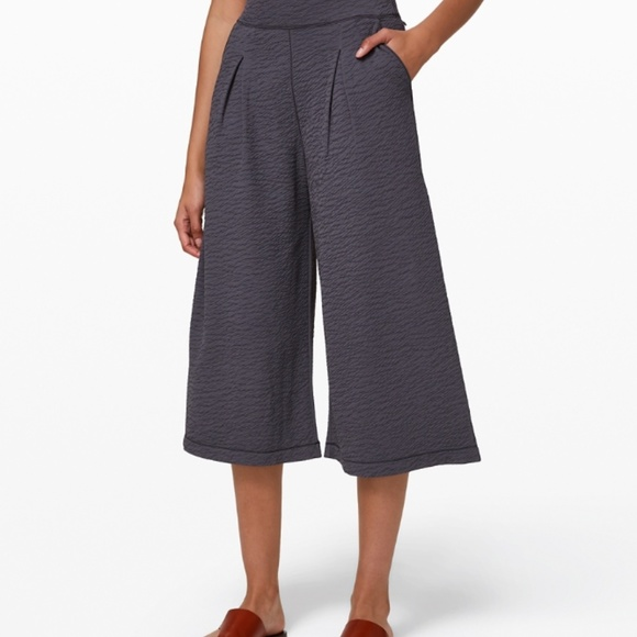 Lululemon Can you Feel the Pleat crops